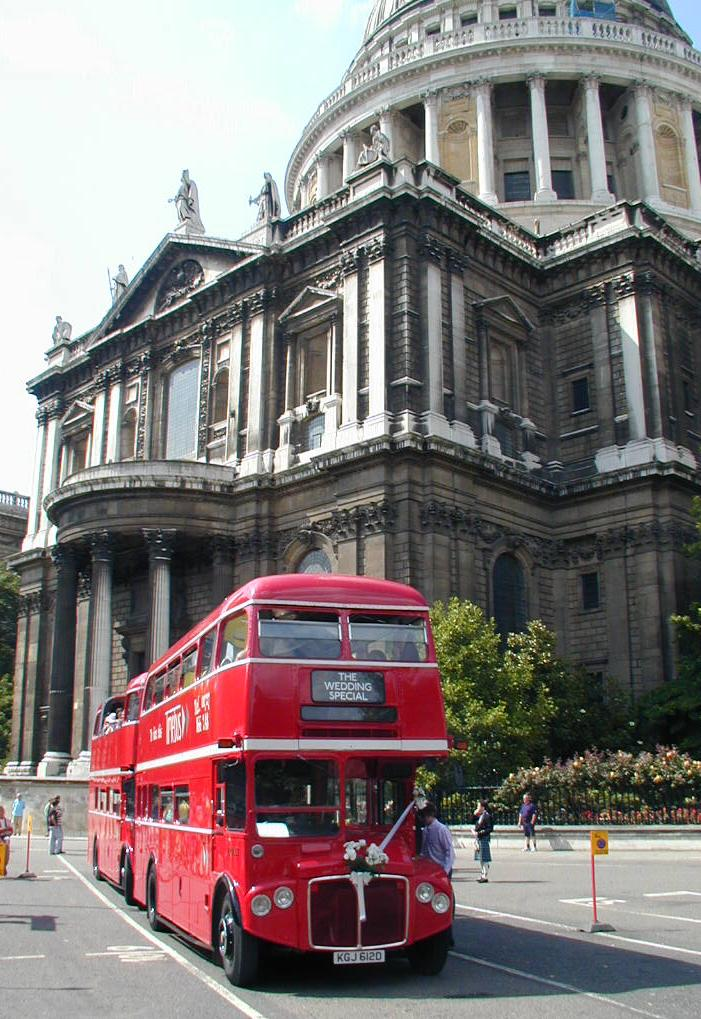 Dirty cathedral but clean London buses - St. Paul's Cathedral