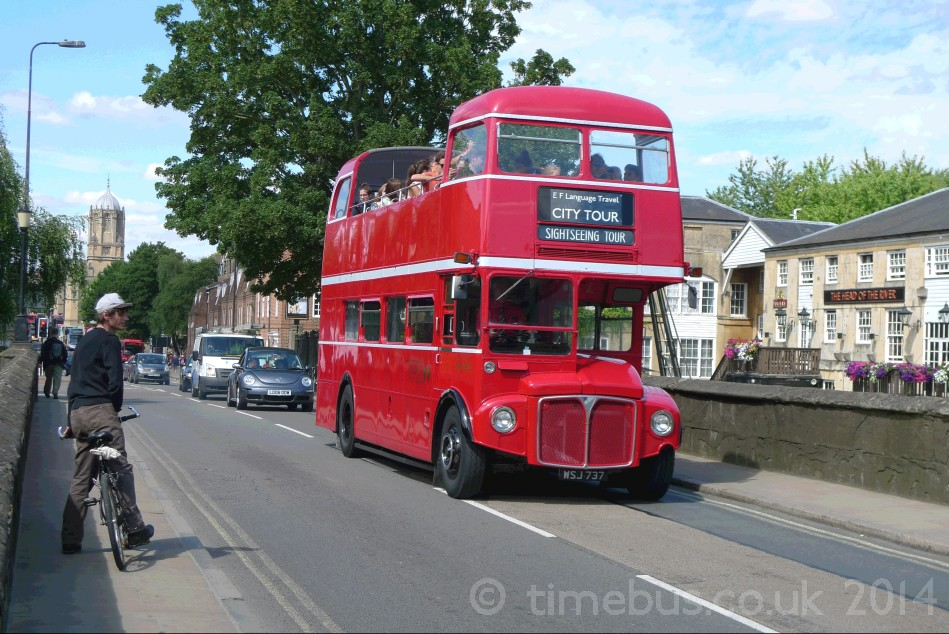 Special open top Oxford city tour bus - Folly Bridge