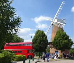 Wheels on the bus go round and round but windmill doesn't - Rayleigh